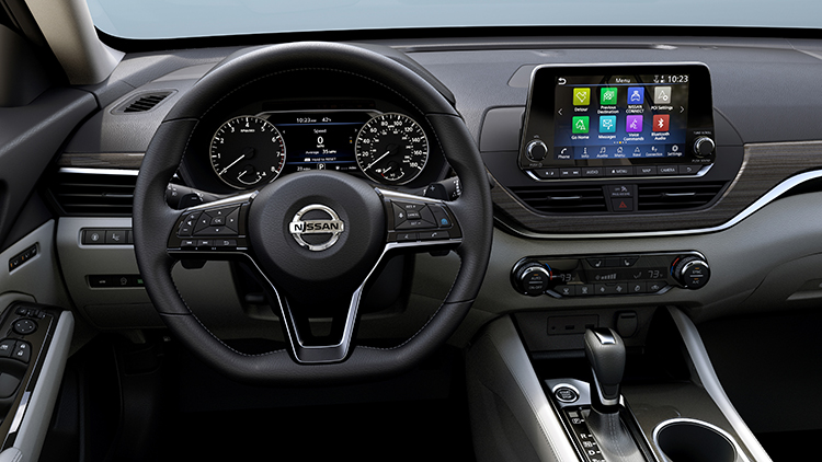 NissanConnect SM featuring Apple CarPlay and Android Auto