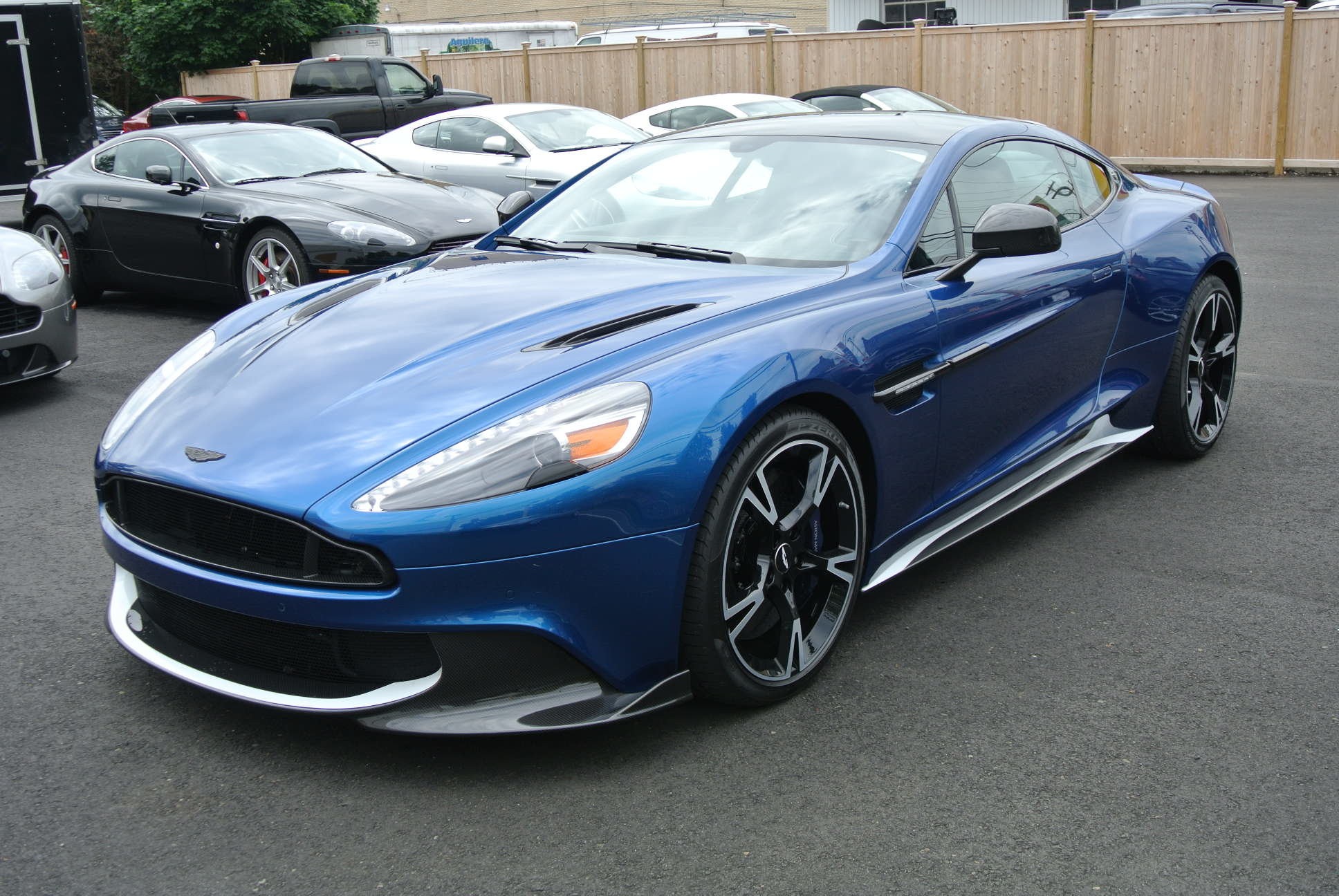 Special offer on 2018 Aston Vanquish 2018 Vanquish S Coupe