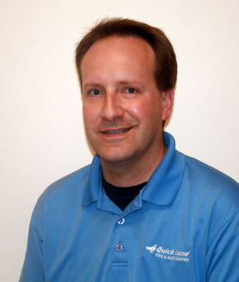 Service Advisor Scott Monroe in Service at Hagerstown Ford
