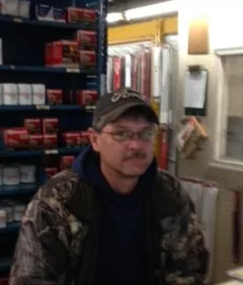Parts Advisor Milford Hornbaker in Parts at Hagerstown Ford