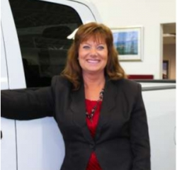 Sales Representative Gena Thompson in Sales at Gene's Chrysler Dodge Jeep RAM