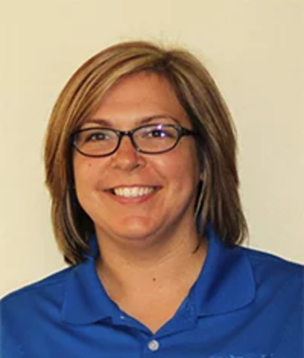 Service Advisor Nicki Hanlon in Service at J.C. Lewis Ford Hinesville