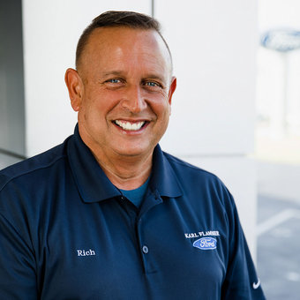 Sales Manager Rich Reina in Sales at Karl Flammer Ford