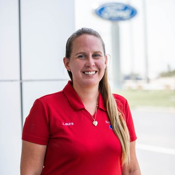 Service Cashier Laura Hayes in Service at Karl Flammer Ford