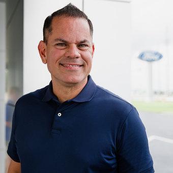 Sales Team Member Raúl Rosado in Sales at Karl Flammer Ford