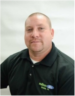 Internet Sales Consultant Jeremy Muniz in Sales at Mullinax Ford