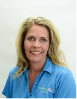 Service Advisor Tracey Howard in Service at Mullinax Ford