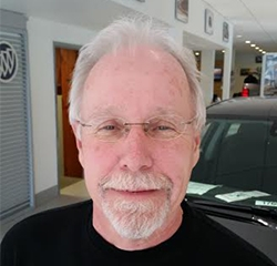 Sales Consultant Mike Tominez  in Sales at Kightlinger Motors
