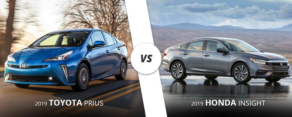 2019 blue toyota prius vs. 2019 silver honda insight in Westbury, NY.