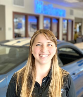Service Advisor Jessica Derr in Service at Mathews Ford Oregon
