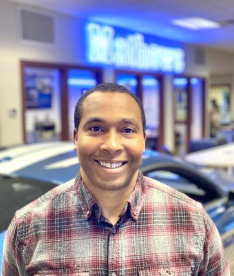Sales Consultant Irvin Willis in Sales at Mathews Ford Oregon