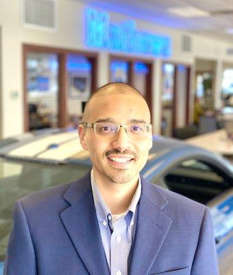 General Sales Manager Jose Becerra in Sales at Mathews Ford Oregon