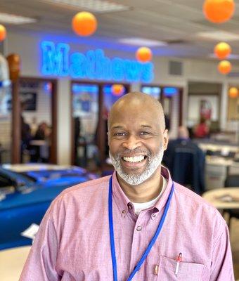 Service Advisor Vince Johnson in Service at Mathews Ford Oregon