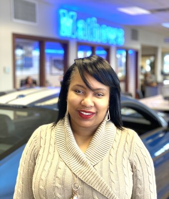 Sales Consultant Zakia Wappner in Sales at Mathews Ford Oregon