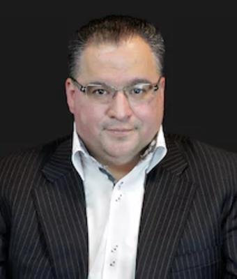 Sales Manager John Becerra in Sales at Mathews Ford Oregon