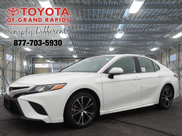 Lease this 2019, White, Toyota, Camry, SE
