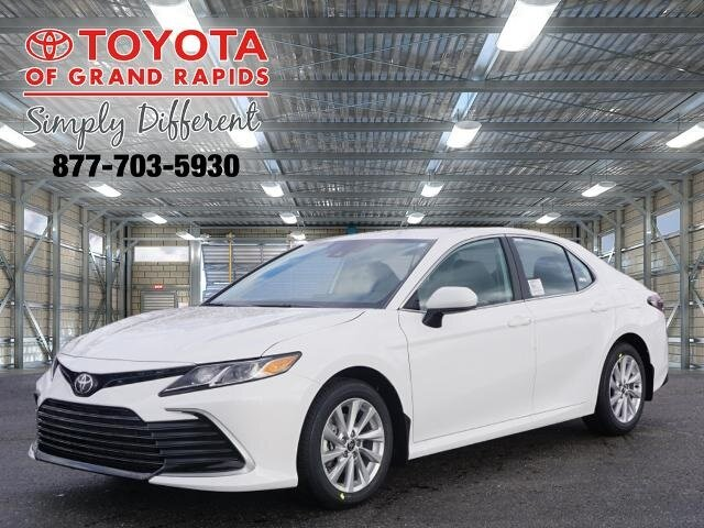 Lease this 2021, White, Toyota, Camry, LE
