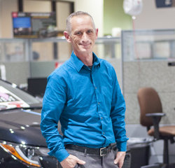 Express Maintenance Manager Vern Hall in Service at Toyota of Grand Rapids