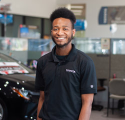 Service Consultant Rashodd Jenkins in Service at Toyota of Grand Rapids