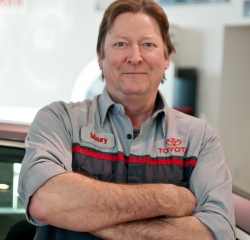 Service Technician Maury Ulberg in Service at Toyota of Grand Rapids