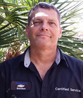 Reconditioning Technician Gordon Eutsler in Service at Dimmitt Chevrolet