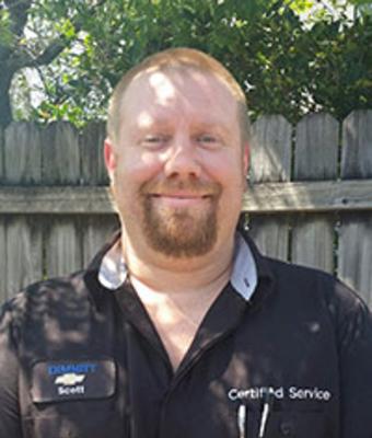 Reconditioning Technician Matthew Scott Harter in Service at Dimmitt Chevrolet