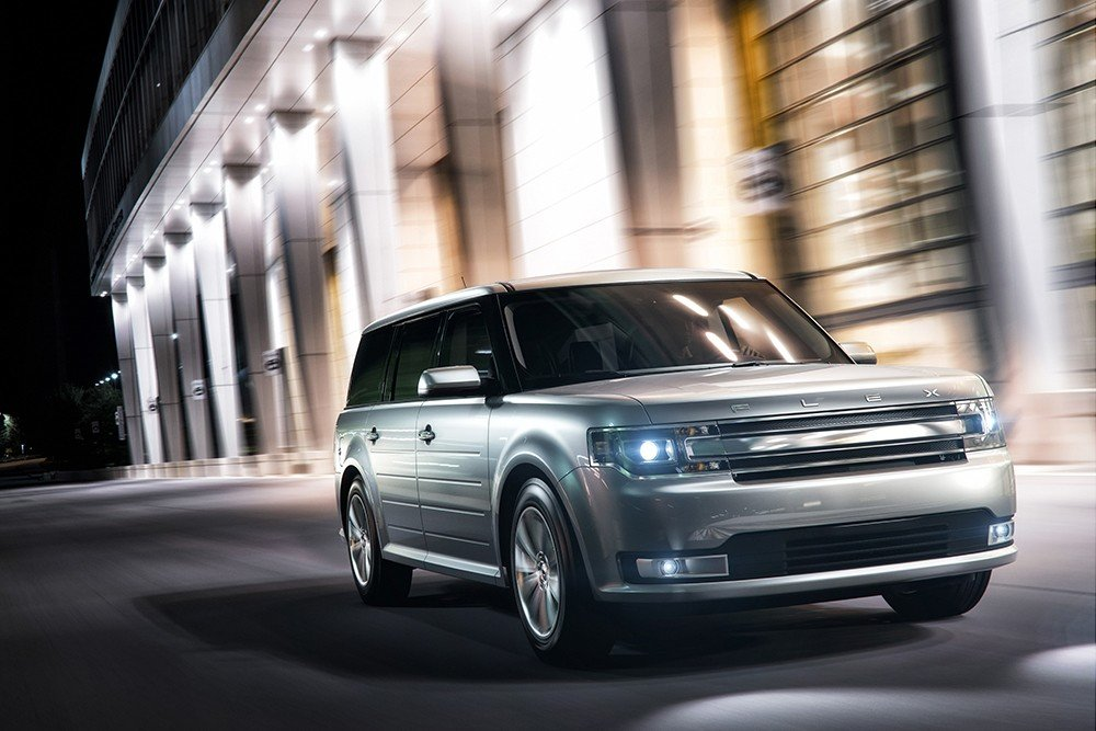2019 Ford Flex at Night