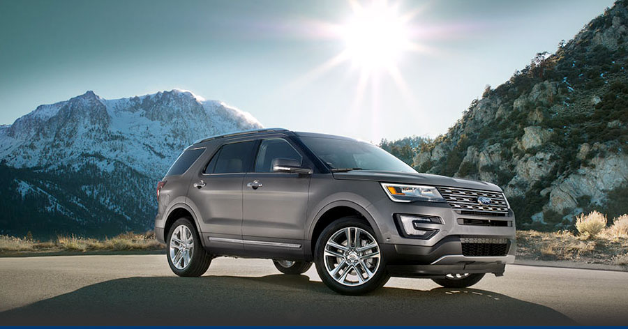 Silver 2017 FOrd Explorer SUV side view