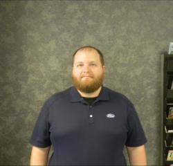 Quick Lane Advisor Tim Parks in Service at Huntersville Ford