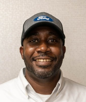 Assistant Manager of Service Department Kelly Williams in Service at Mullinax Ford of Central Florida