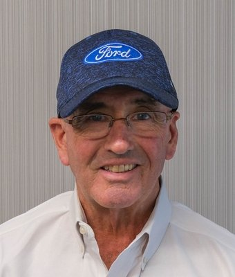 Sales Consultant Dennis McClung in Sales at Mullinax Ford of Central Florida