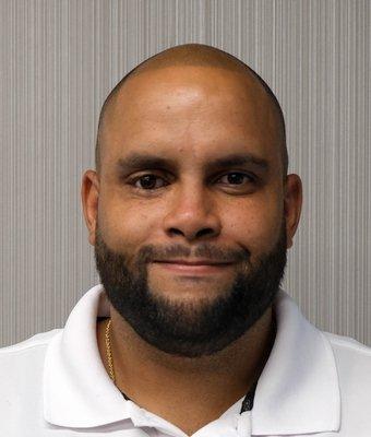 Internet Sales Consultant Roberto Muñoz (Hablo Español) in Internet Sales at Mullinax Ford of Central Florida