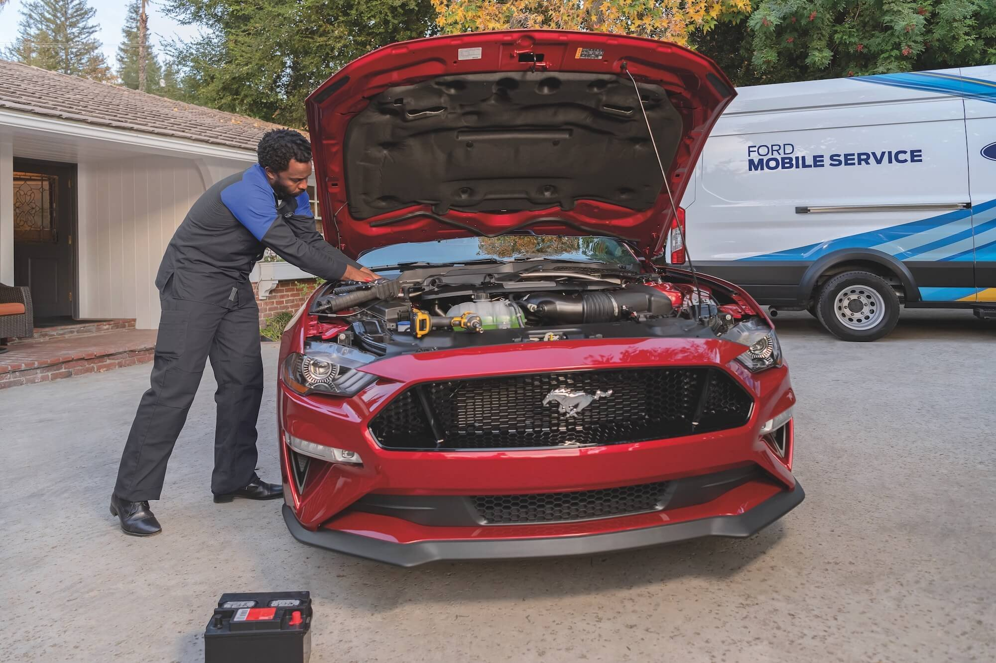 Ford Mobile Service Technician Under The Hood - Mullinax Ford of Central Florida