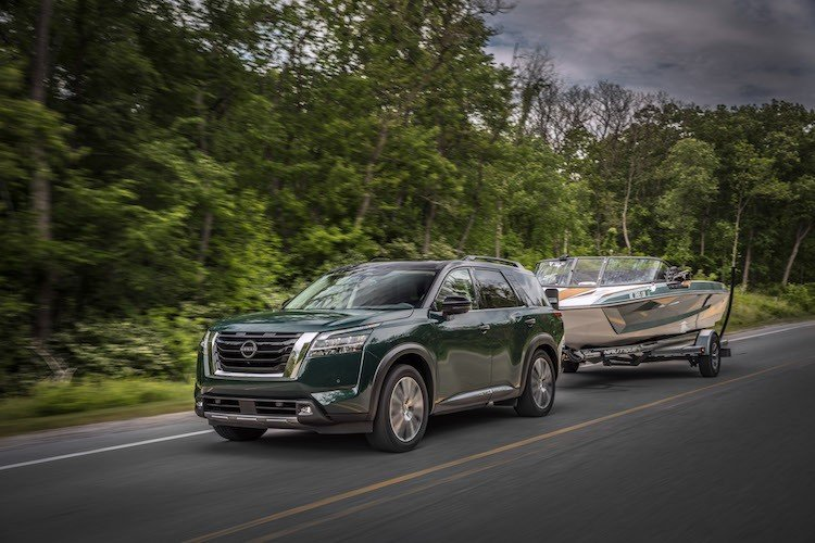 2022 Nissan Pathfinder Towing a Boat