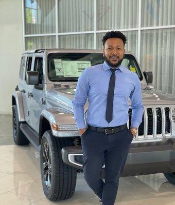 Sales Consultant LaQuon Gibbs in Sales at Landmark Dodge Chrysler Jeep Ram