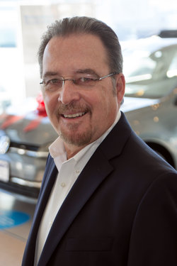 General Manager Jeff Miles in Sales at Sharrett Auto Stores