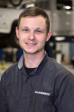 GM / Domestic Technician Tim Mowen in Service at Sharrett Auto Stores