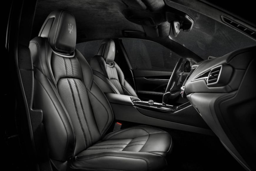 all black leather interior inside the 2018 maserati levante gransport suv