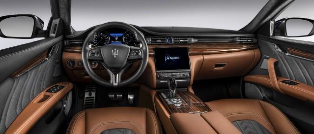 Brown leather interior of the 2018 maserati quattroporte SUV