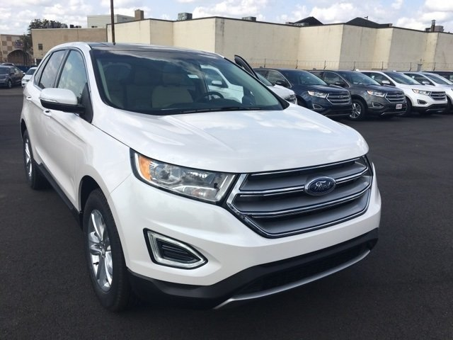 Special offer on 2017 Ford Edge 2017 Ford Edge SEL Leftover Special