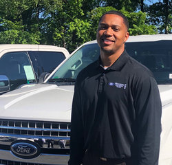 Sales & Leasing Professional Kelvin Kight in Pre-Owned Sales at Hennessy Ford Lincoln Atlanta