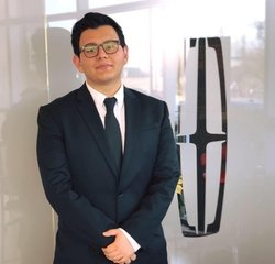 Sales & Leasing Professional JR Ramos in Pre-Owned Sales at Hennessy Ford Lincoln Atlanta