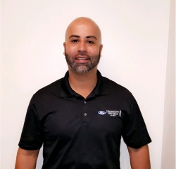 Sales and Leasing Professional Joe Perez in Pre-Owned Sales at Hennessy Ford Lincoln Atlanta