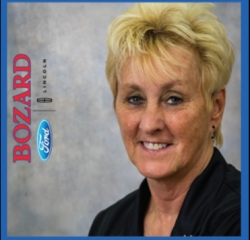 Asst. Service Manager Marcia Nelson in Service at Bozard Lincoln