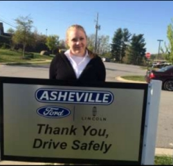 Cashier Amanda Stevens in Service/Parts at Asheville Ford