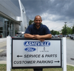 Sales Professional Charles Thomas in Sales at Asheville Ford