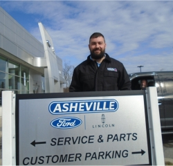 Quick Lane Advisor Daniel Pfefferle in Service/Parts at Asheville Ford