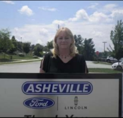 Accounts Receivable Sherri Montgomery in Office at Asheville Ford