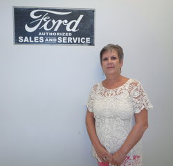 Warranty Admin Karen Lawton in Service at Anderson Ford