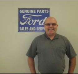 Parts Driver Mike Hanvey in Service at Anderson Ford
